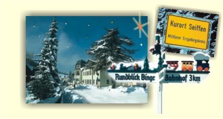 Haupstrasse Spielzeugmuseum und Ortseingangsschild Seiffen