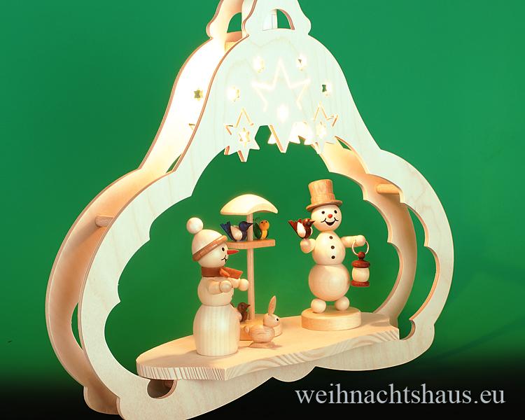 Seiffen Weihnachtshaus - Fensterbild   elektrisch beleuchtet Schneemann Vogelfütterung - Bild 2