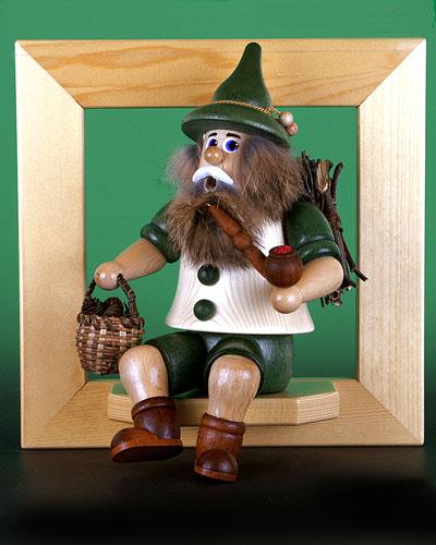 Seiffen Weihnachtshaus - <!--02-->Räuchermann Wichtel sitzend  Zapfensammler - Bild 2