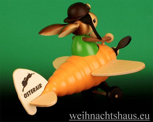Seiffen Weihnachtshaus - Krummbeinhase Junge im Möhrenflieger - Bild 2