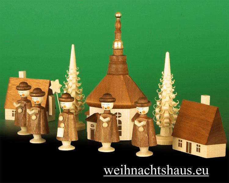 Seiffener Kirche mit Kurrende Holz Holzfiguren Seiffen im Erzgebirge Holzkirche  Erzgebirgsfikuren