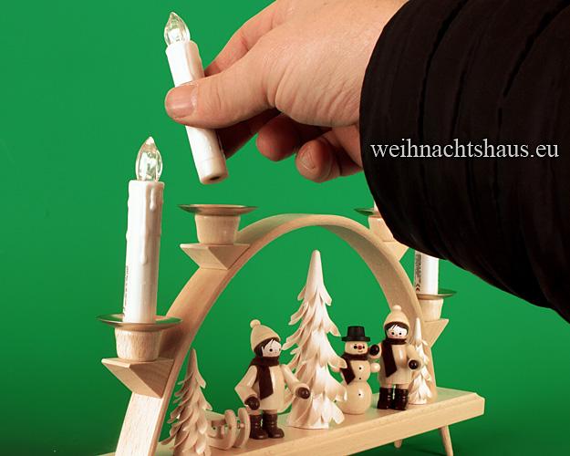 Seiffen Weihnachtshaus - .LED Batteriekerzen 4 Kerzen-Set mit Fernbedienung - Bild 3