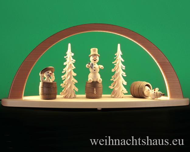 Seiffen Weihnachtshaus - Schwibbogen modern Schneemänner mit Faß 51cm (LED Schwibbogen) - Bild 1