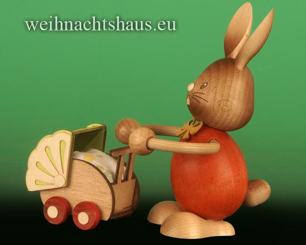Seiffen Weihnachtshaus - Stupsi        Osterhase- Kuhnert  mit Kinderwagen Neu 2020 - Bild 2