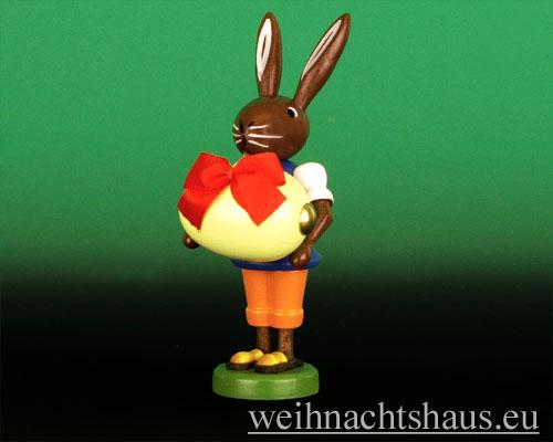 Seiffen Weihnachtshaus - Osterhase 10cm mit Ei - Bild 1