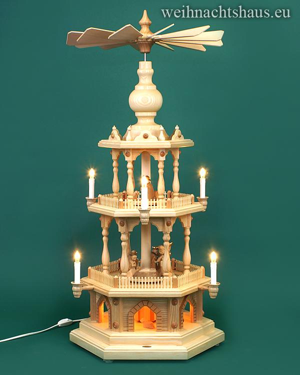 Weihnachtspyramide  Pyramide elektrisch beleuchtet mit geschnitzten Krippefiguren