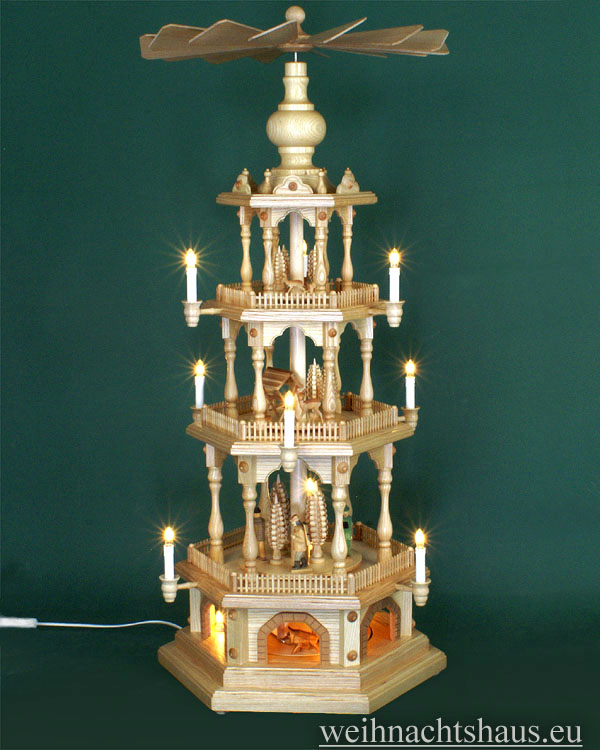 Seiffen Weihnachtshaus - 4 Stock Zaunpyramide 111 cm mit geschnitzten Waldfiguren - Bild 1