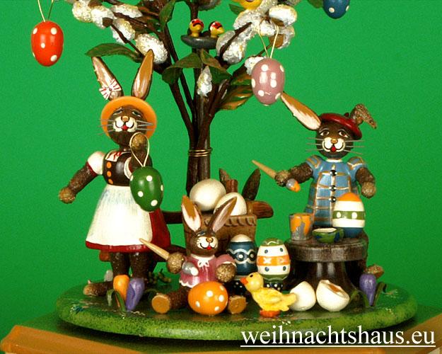 Seiffen Weihnachtshaus - <!--01-->Spieldose Hubrig Holzkunst Fleißige Osterhasen - Bild 3