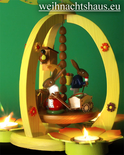 Seiffen Weihnachtshaus - <!--01-->Teelichtpyramide Osterhase mit Handwagen - Bild 2