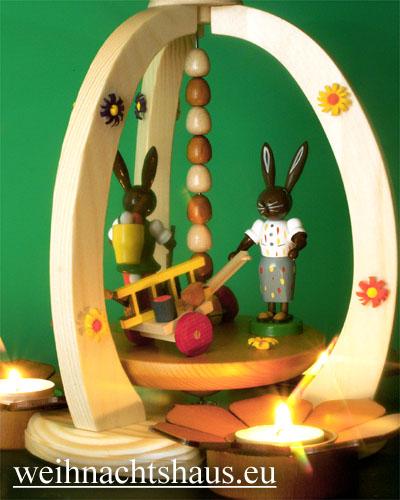 Seiffen Weihnachtshaus - <!--01-->Teelichtpyramide Osterhase mit Leiterwagen - Bild 2